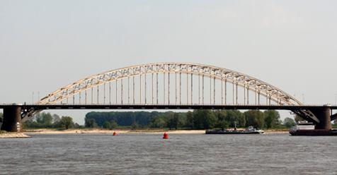 Nachtelijke hinder Waalbrug in verband met voorbereidingen renovatie